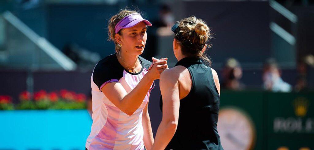 Elise Mertens en Simona Halep - © Jimmie48 Tennis Photography